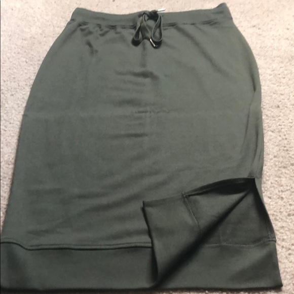 DTLR Dresses & Skirts - Women's never worn skirt